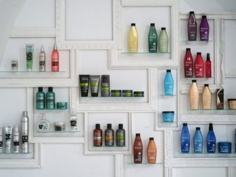 vitrine produtos salão de beleza